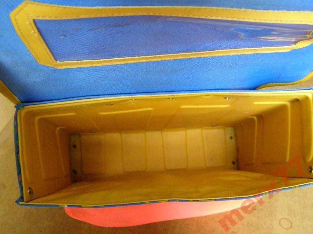 Фото 5 - Рюкзак-ранец Винни Пух модель короб , Польша