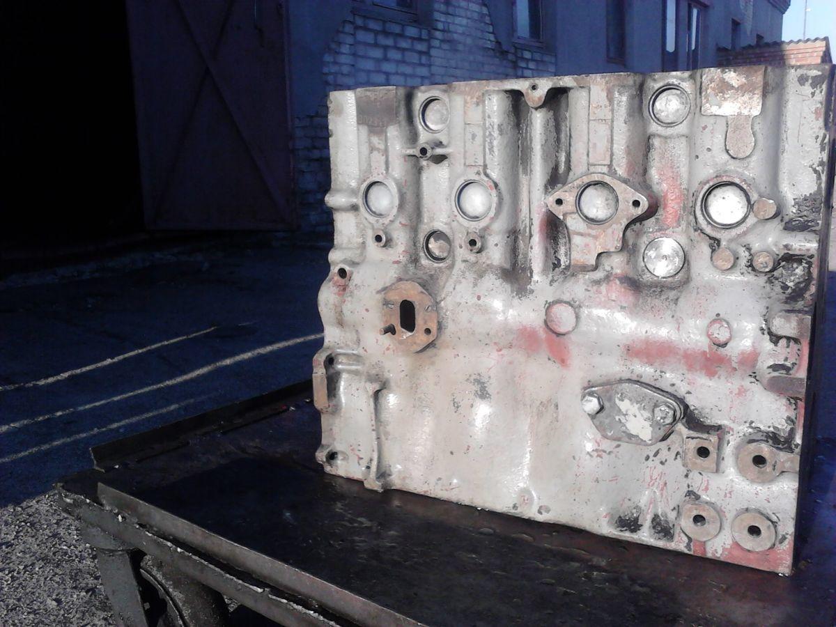 Фото 2 - Блок двигателя Д 3900 б/у погрузчика ДВ 1792