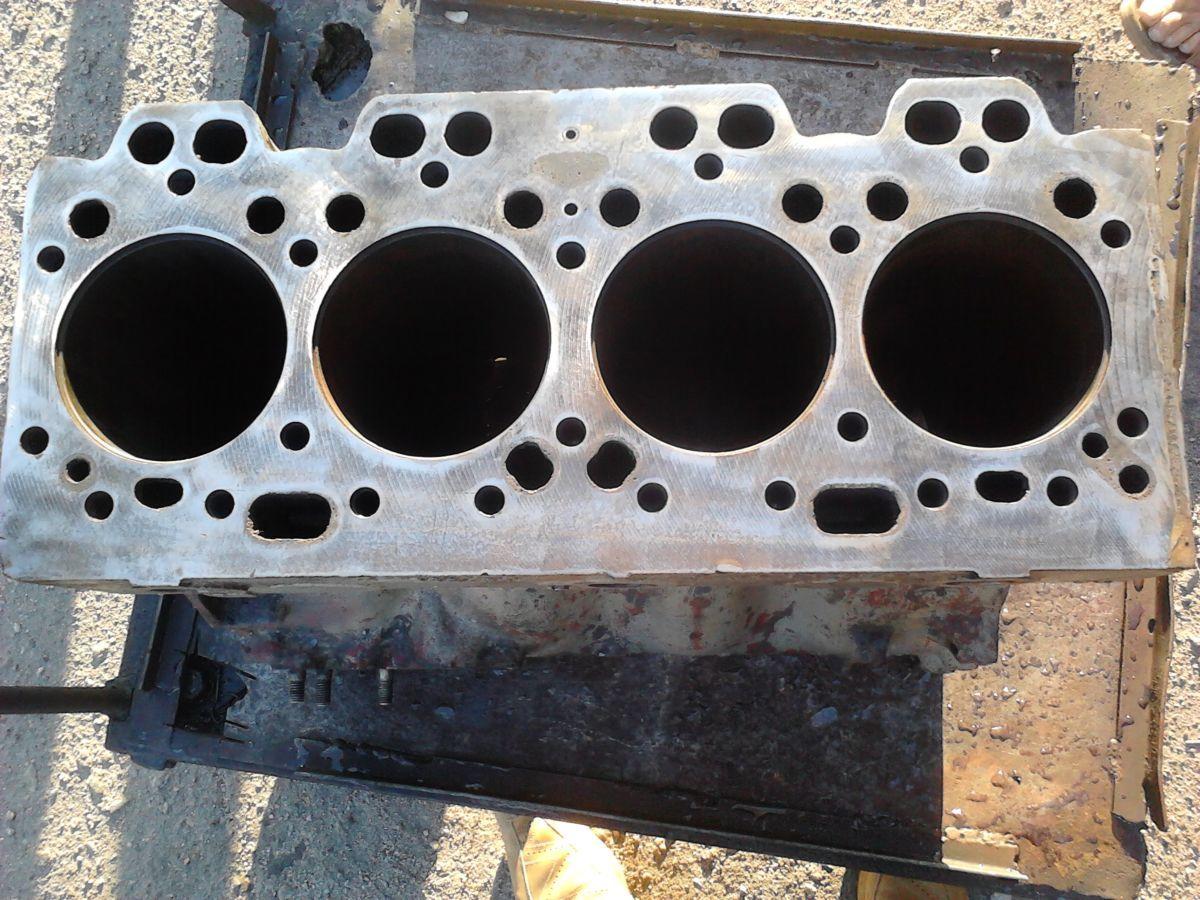 Фото - Блок двигателя Д 3900 б/у погрузчика ДВ 1792