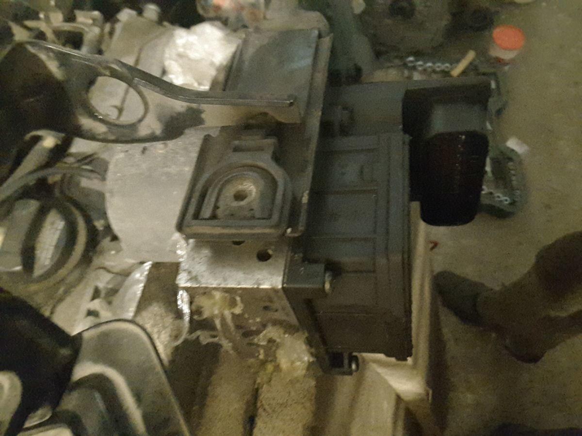 Фото 3 - Блок АБС  ABS для Audi A8 D3 05-09р.в. 4E0614517BC; 4E0910517B.