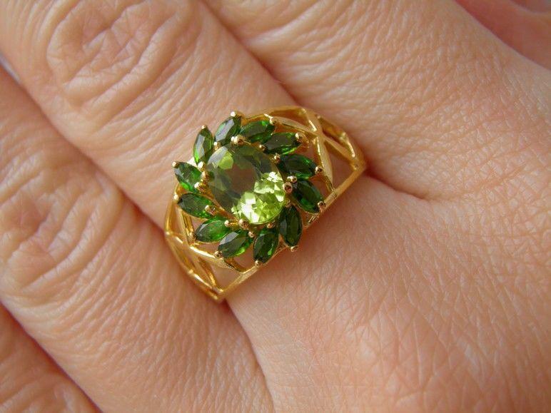 Фото 5 - Серебряное кольцо Хризолит-Хромдиопсид р.17,5