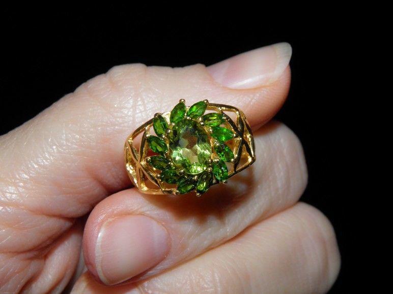 Фото 3 - Серебряное кольцо Хризолит-Хромдиопсид р.17,5