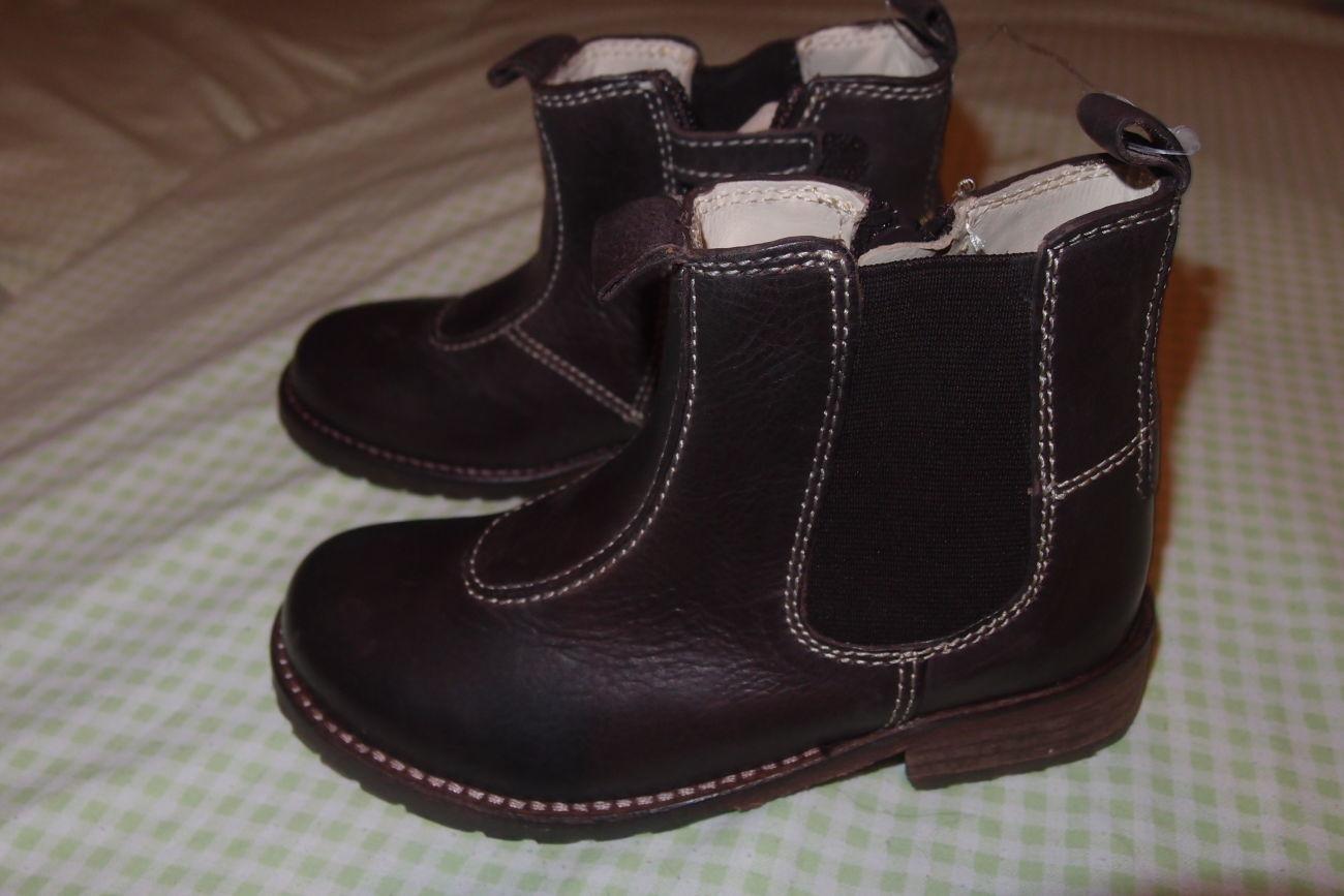 Фото - кожаные ботинки 26 и 28 размеры тм chicco