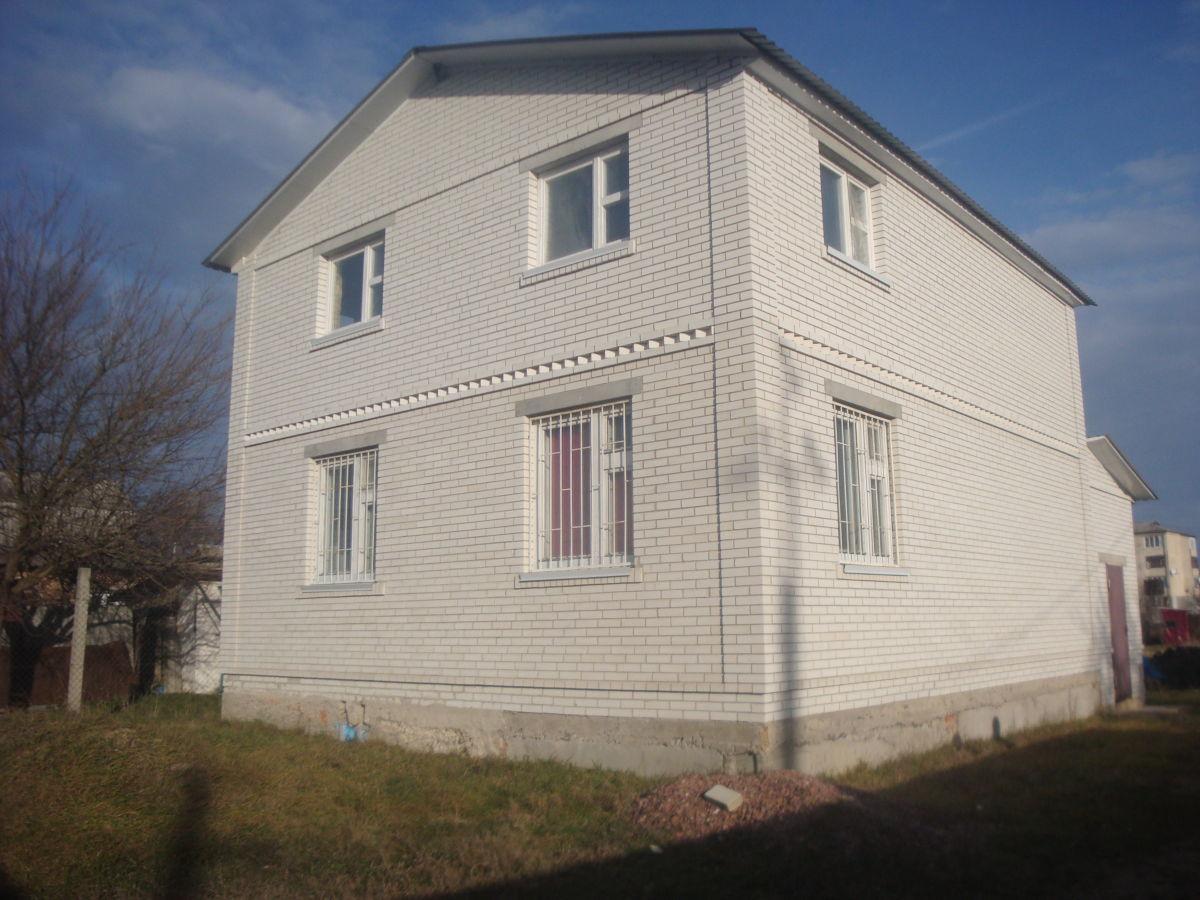 Фото - Двухэтажный дом с подвальным помещением -72 км. от Киева (село Коржи)
