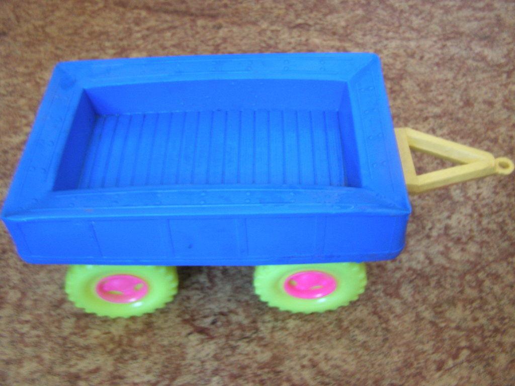 Фото 5 - Большой трактор с прицепом, 77 см