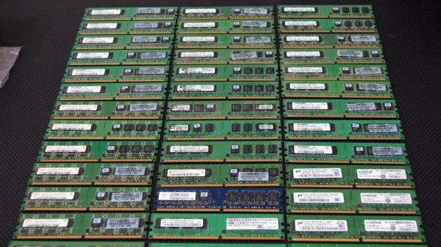 Фото - память DDR 2 на 1GB PC 6400, различных фир, DDR2 1 GB 800 MHz и 667