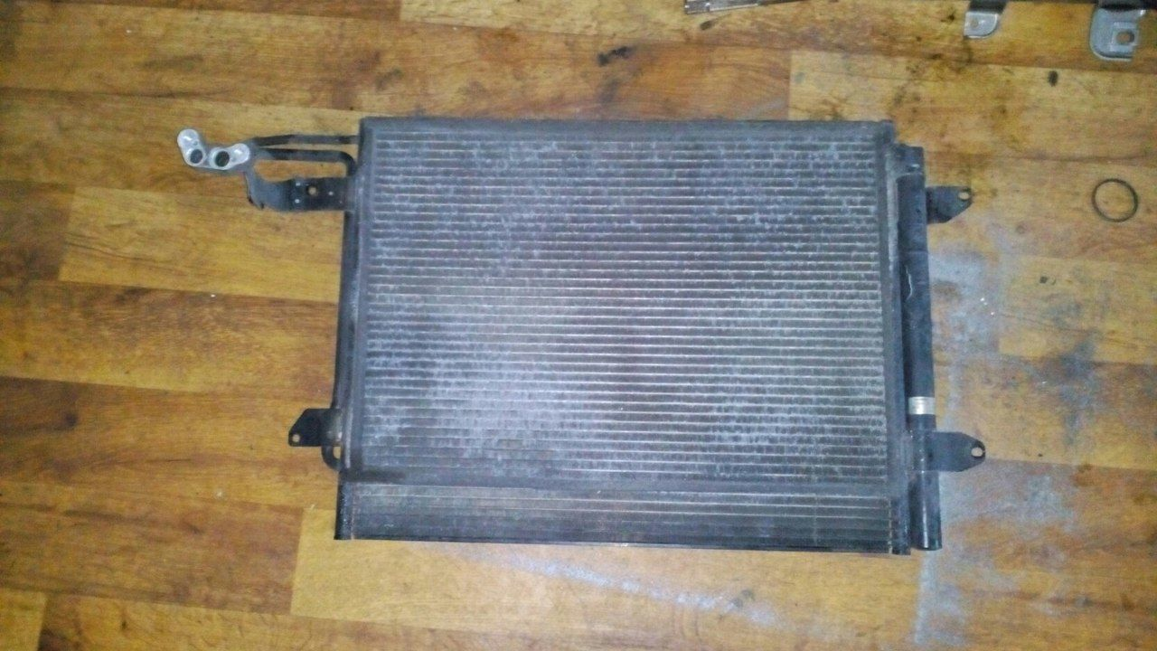 Фото - Б/у радиатор кондиционера 1T0820411E Volkswagen Caddy