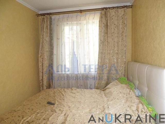 Фото 5 - Продам 4-х комнатную на Маршала Жукова.
