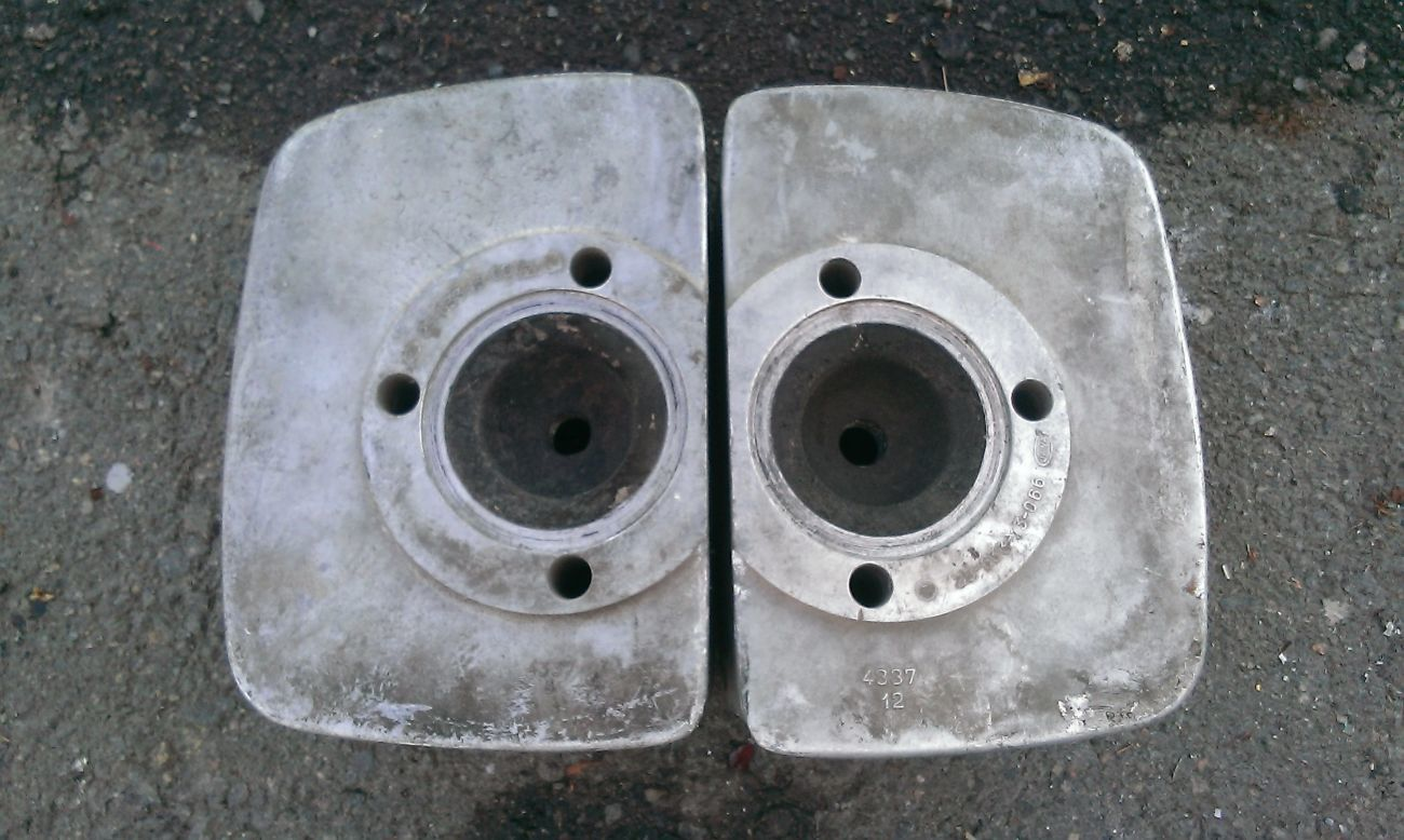 Фото 2 - Головки цилиндров мото ЯВА, 6 вольт