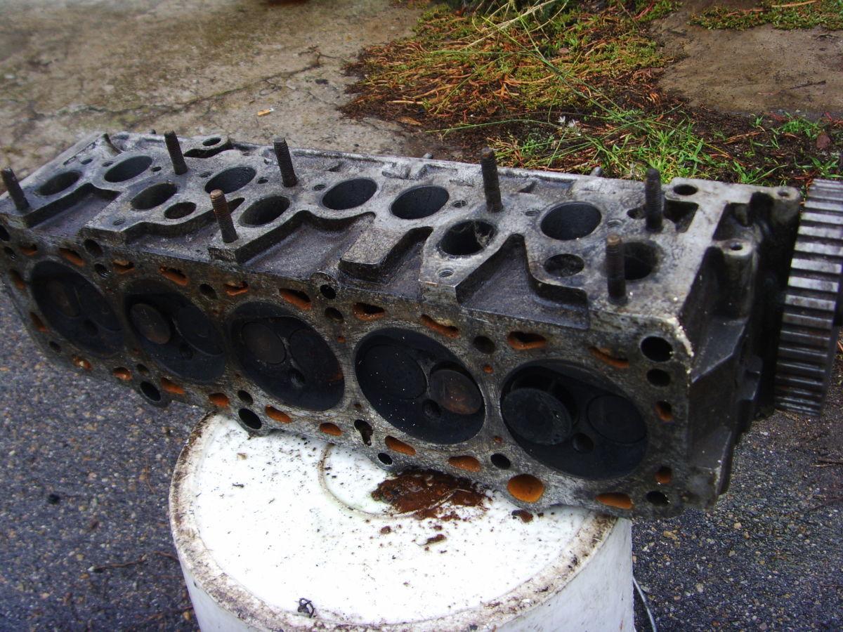 Фото 5 - На Audi 100 (90) 2.0л 77-87 г.в. головка блока пяти-циллиндровая Б/У