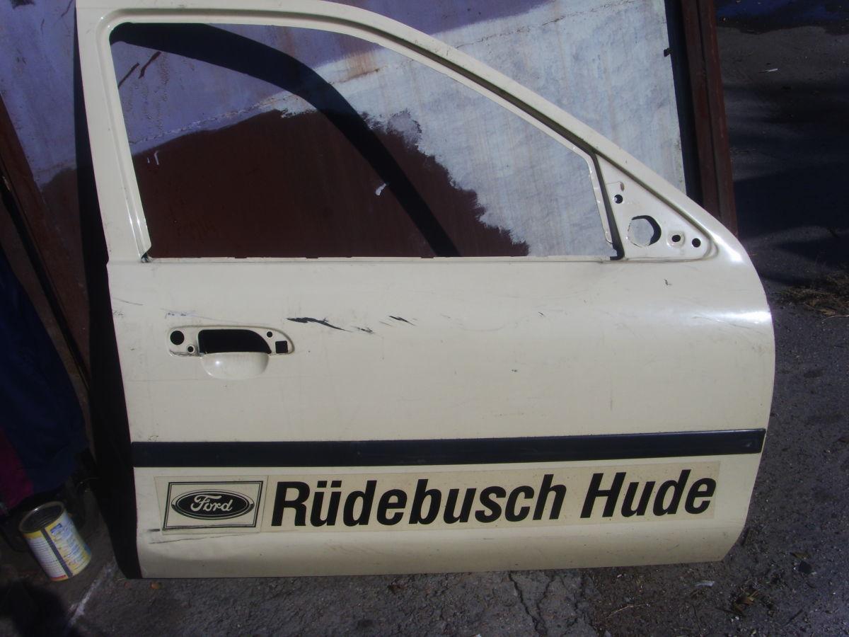 Фото - На Ford Scorpio с 95 г.в. правая передняя дверь голая отличная Б/У