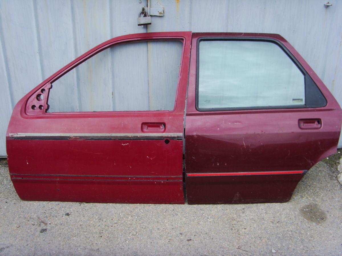 Фото - На Ford Sierra с 87 г.в. седан-хэтчбэк двери левой стороны.