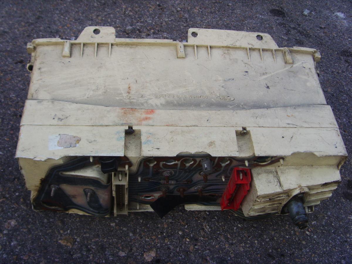 Фото 5 - Ford Sierra щиток приборов (приборная панель) На бензиновую и дизель