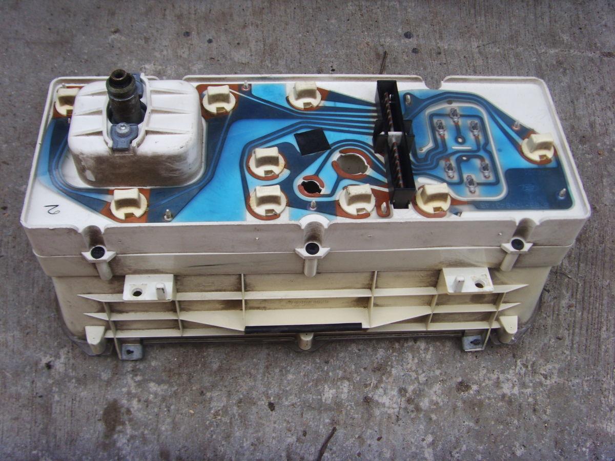 Фото 2 - Ford Sierra щиток приборов (приборная панель) На бензиновую и дизель