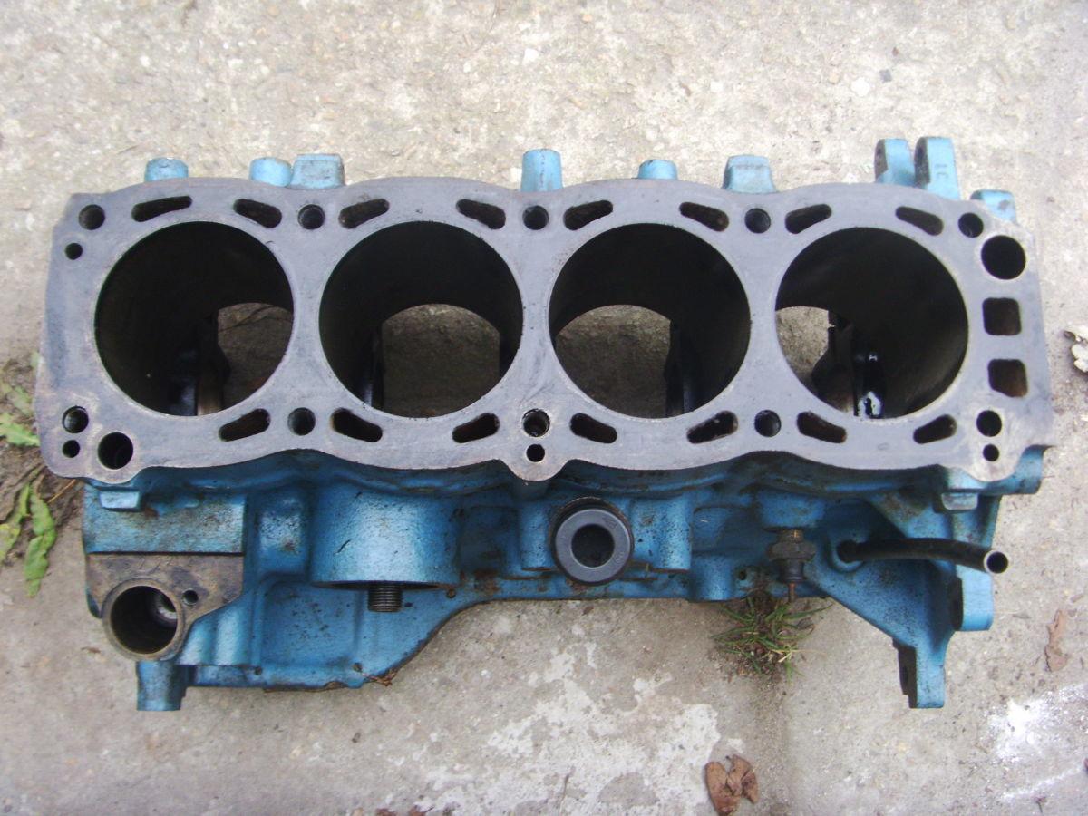 Фото - Ford Sierra, Taunus 1.6 B Блок цилиндров под расточку (загильзован).