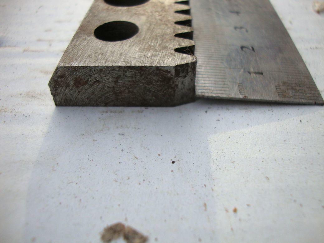 Фото 6 - Зубчатая рейка 425мм и 735мм станочная