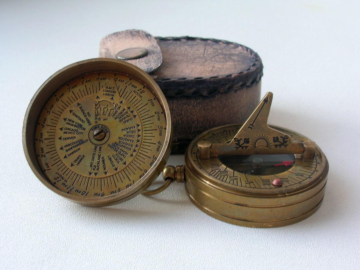 Фото - Карманный компас с солнечными часами Dollond London