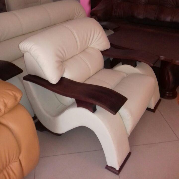Фото 2 - стильный мягкий  комплект диван3+диван2+кресло,кожаная мебель