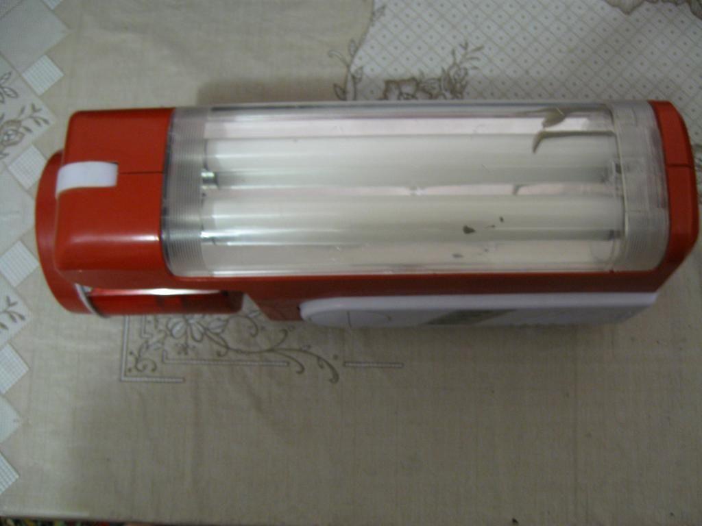 Фото 2 - Переносной фонарь с люминесцентными лампами (неиспр)