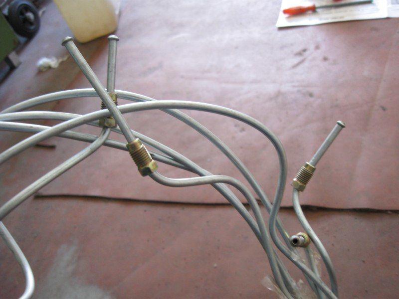Фото 3 - Комплект тормозных трубок для автомобиля Славута