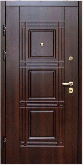 Фото 2 - Обшивка входных дверей влагостойкими дверными накладками