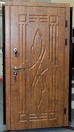 Фото 3 - Обшивка входных дверей влагостойкими дверными накладками