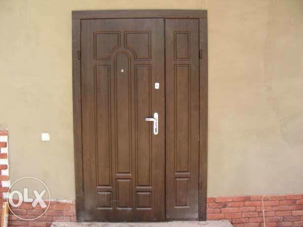 Фото 6 - Обшивка входных дверей влагостойкими дверными накладками