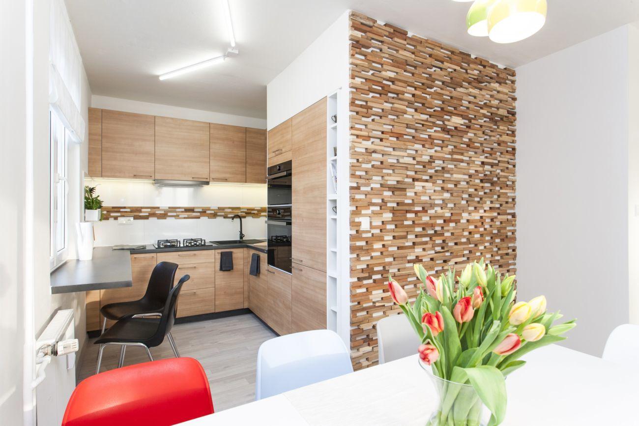 Фото 2 - Деревянные панели с 3-D мозаики, облицовка стен деревом.