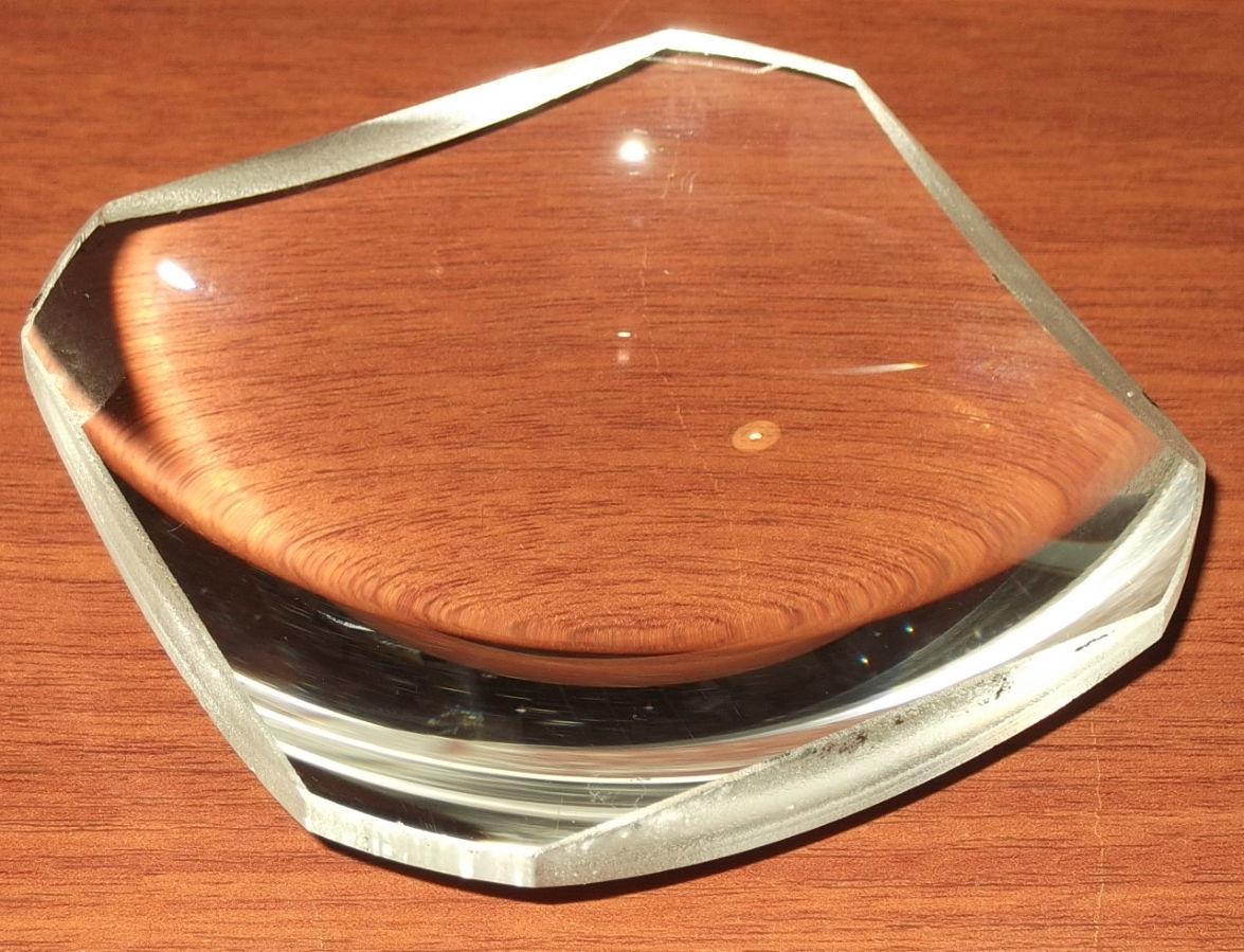 Фото 5 - Линза плоско выпуклая равносторонняя
