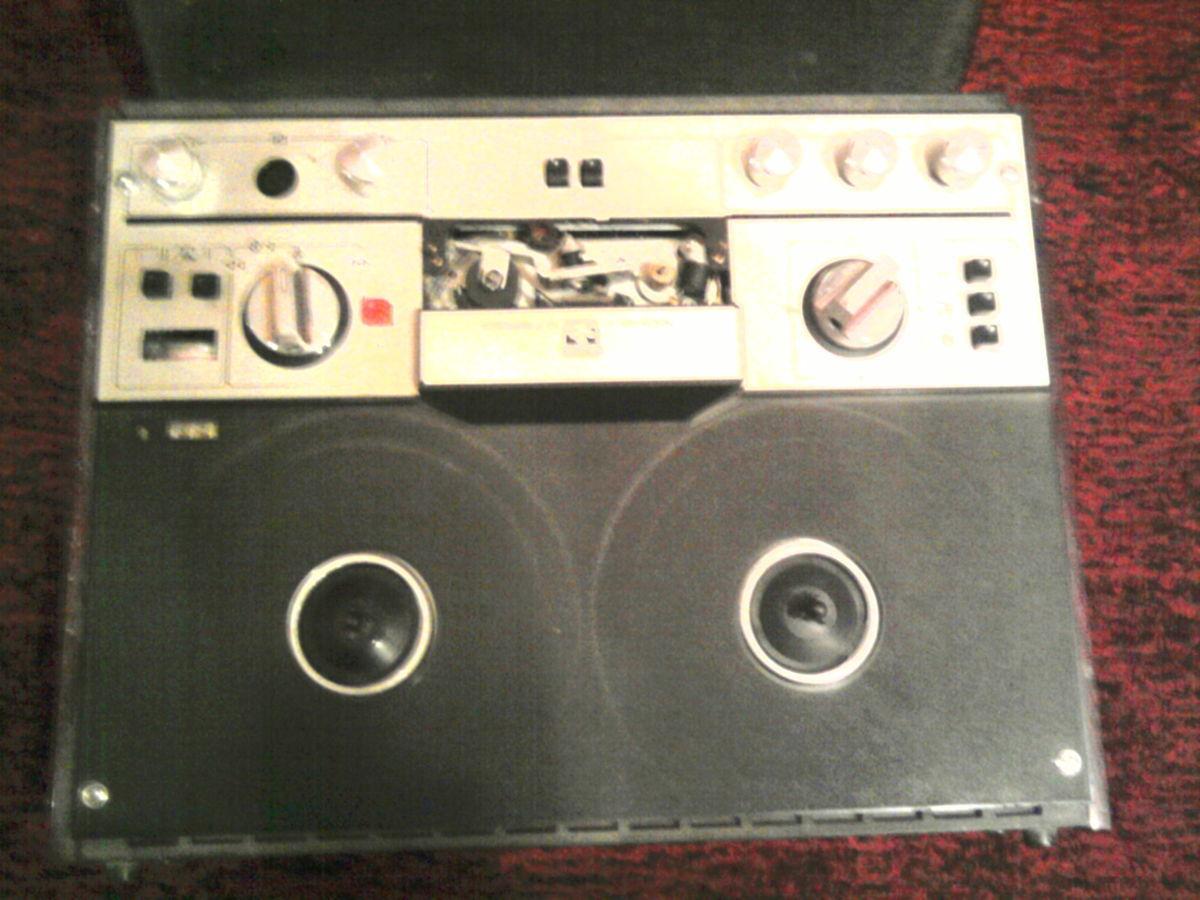 Фото - Продаю магнитофон маяк 203, в шорохом состоянии