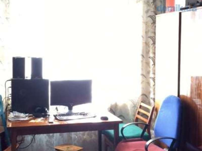 Продам 2-х комнатую квартиру у метро Гагарина