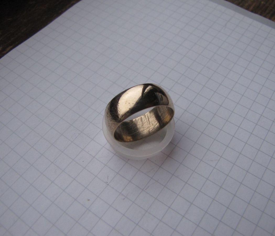 Фото 3 - Обручальное кольцо СССР без клейм из золотистого сплава