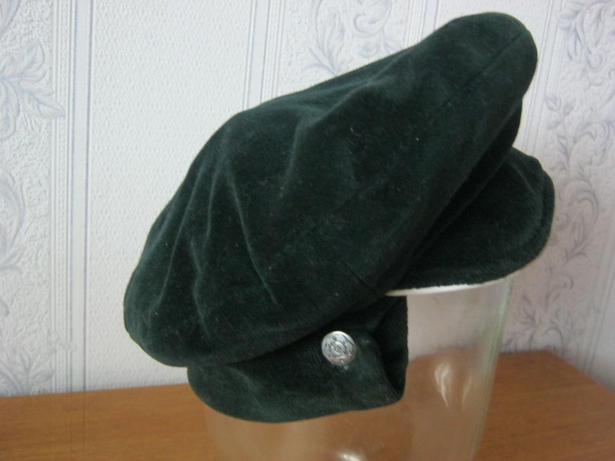 Фото 4 - Шапка-кепка из велюра с отворотом-манжетом