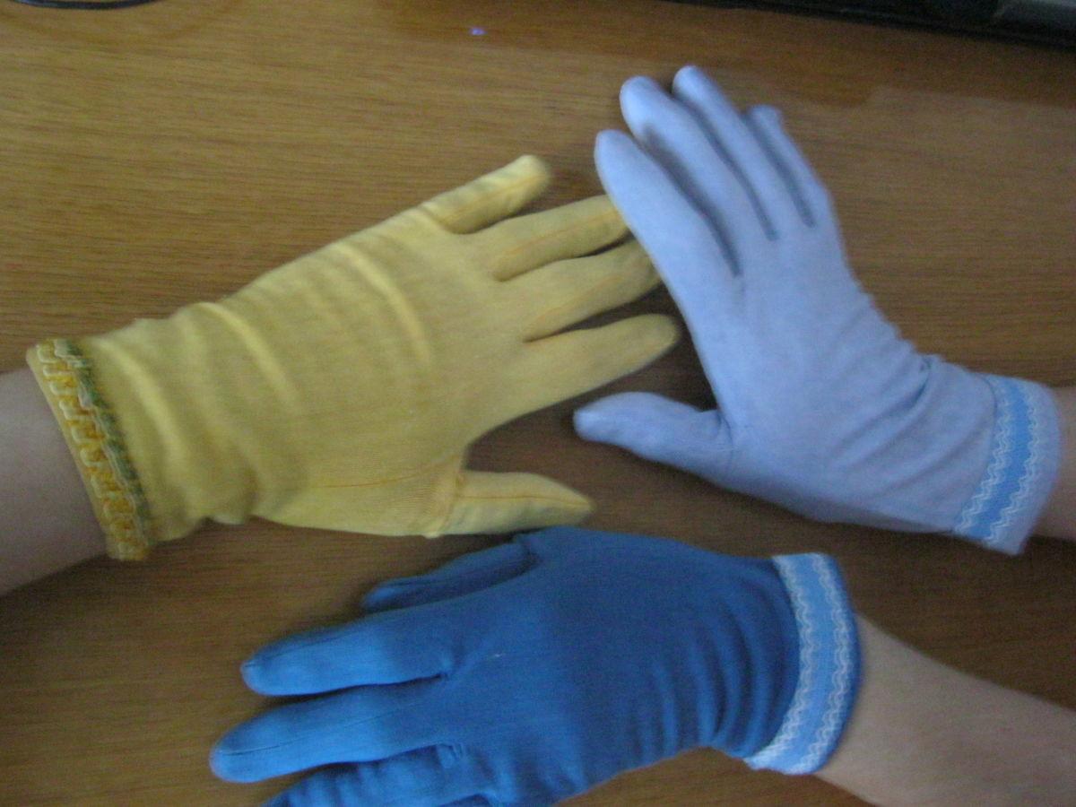 Фото 4 - Перчатки разного цвета без подкладки