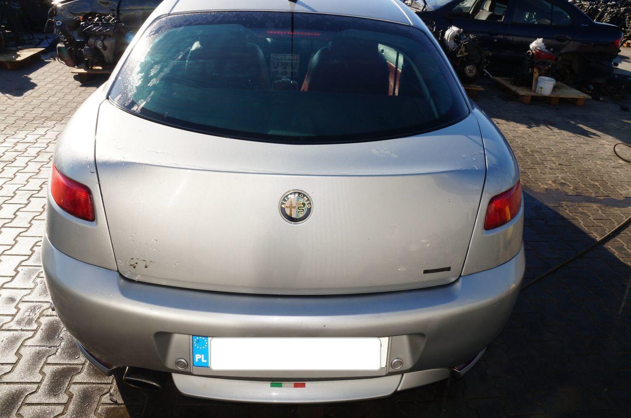 Фото - Alfa Romeo GT Разборка Фонарь Дверь Бампер Четверть Крышка багажника