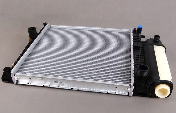 Фото - Бмв Е 36 . 1993 . 2.0 . - Радиатор охлаждения .
