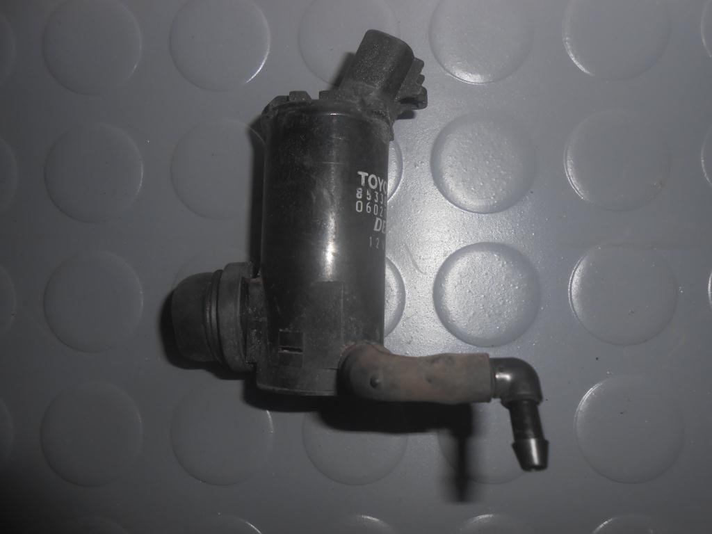 Фото - Моторчик стеклоомывателя стекла (8533033020) TOYOTA Rav4 (A20) 00-05