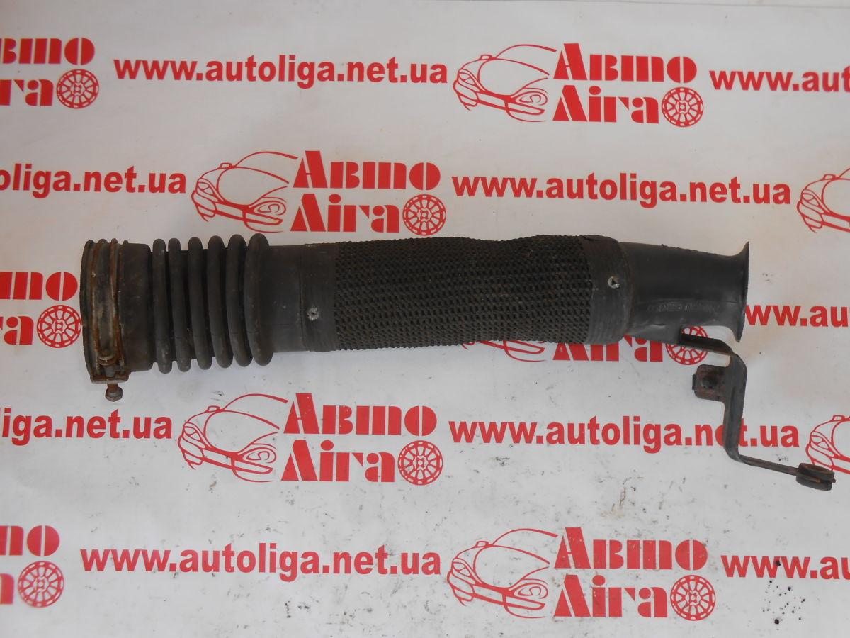 Патрубок воздушного фильтра (1775028010) TOYOTA Rav4 (A20) 00-05