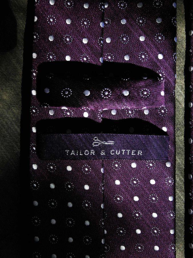 Фото 2 - Мужской галстук в горошек в узорчик узкий Tailor and Cutter