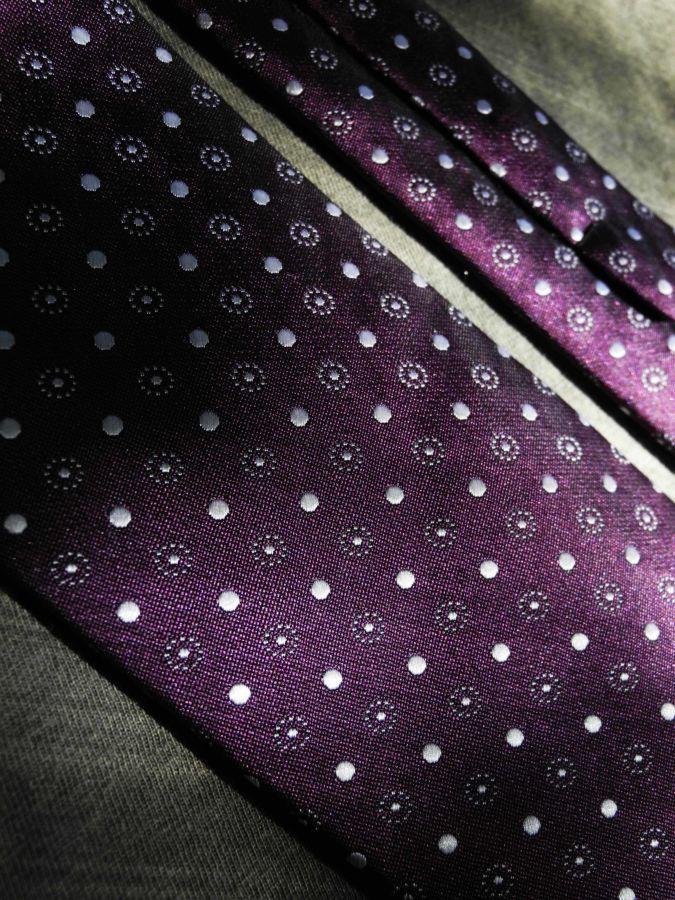 Фото 3 - Мужской галстук в горошек в узорчик узкий Tailor and Cutter