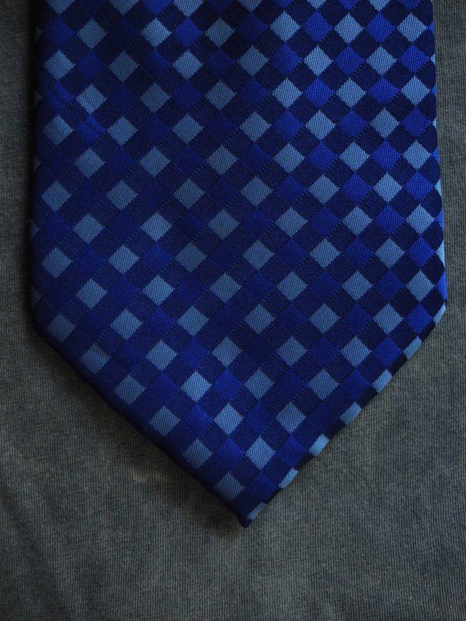 Фото 7 - Мужской галстук 100% шелк в клетку синий Hugo Boss Italy