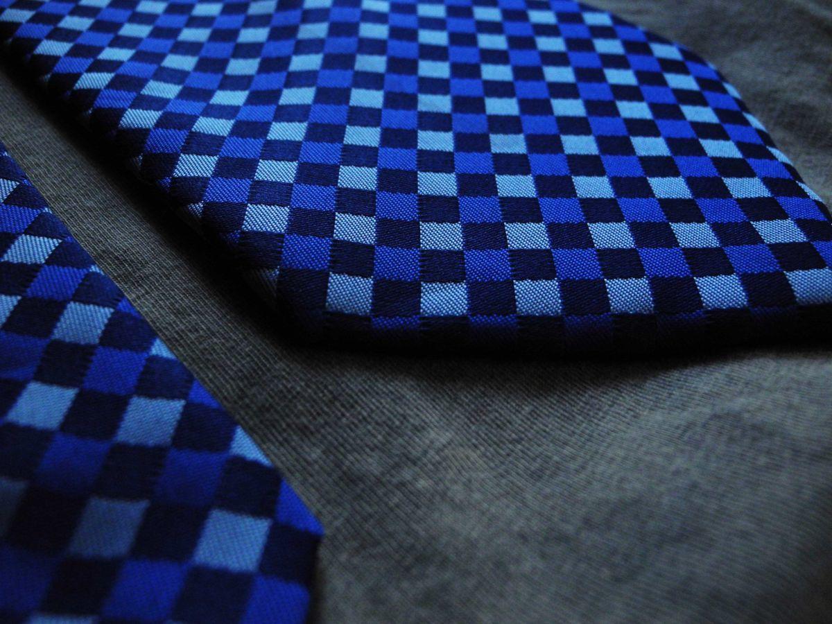 Фото 4 - Мужской галстук 100% шелк в клетку синий Hugo Boss Italy