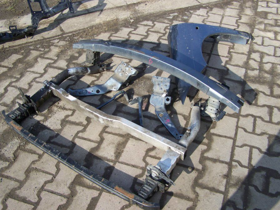 Фото 3 - Разборка CITROEN C6 Капот Бампер передний Решетка Фара Крыло Дверь