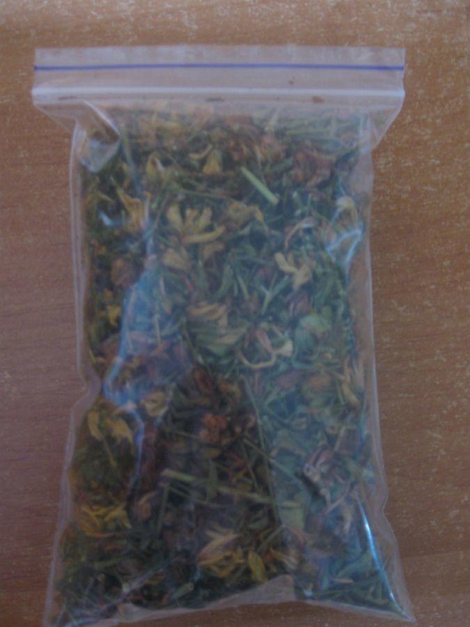 Фото - Зверобой – сушёная трава для чая.