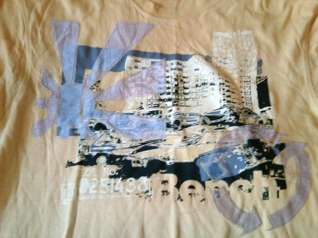 Фото 2 - Мужская футболка Bench большого размера