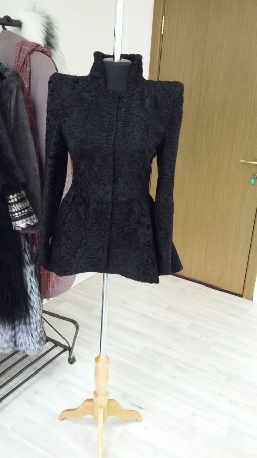 Фото 4 - Индивидуальный пошив шуб цена, шуба каракульча в ателье, Киев