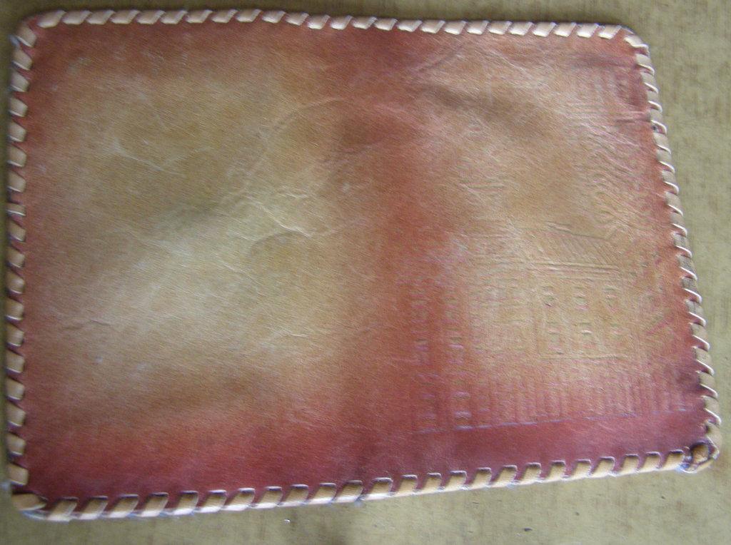 Фото 2 - Сувенирный кожаный кошелек портмоне Черновцы