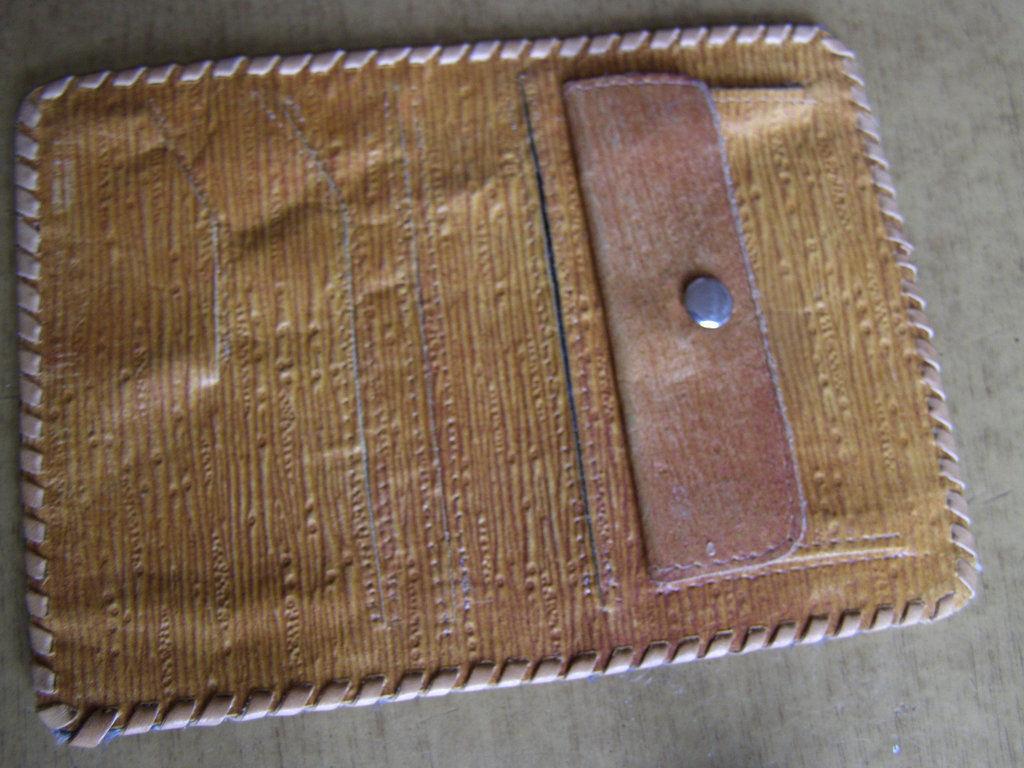 Фото 3 - Сувенирный кожаный кошелек портмоне Черновцы