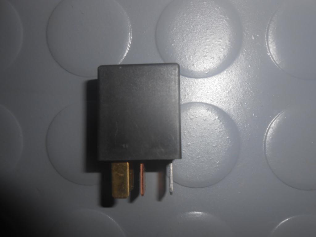 Фото 2 - Реле световых приборов (9008087013) TOYOTA Rav4 (A20) 00-05