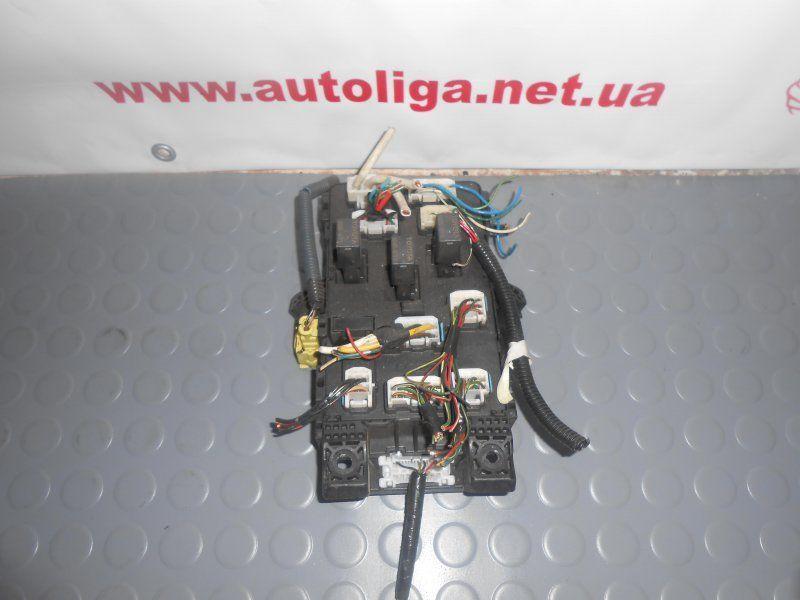 Фото 3 - Блок предохранителей TOYOTA Avensis (T220) 97-03